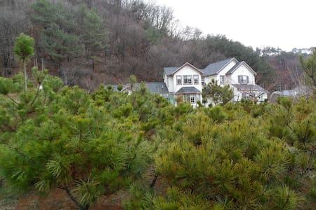 별빛둥지 - 목동자리 방 - Cheongil-myeon, Hoengseon - 단독주택