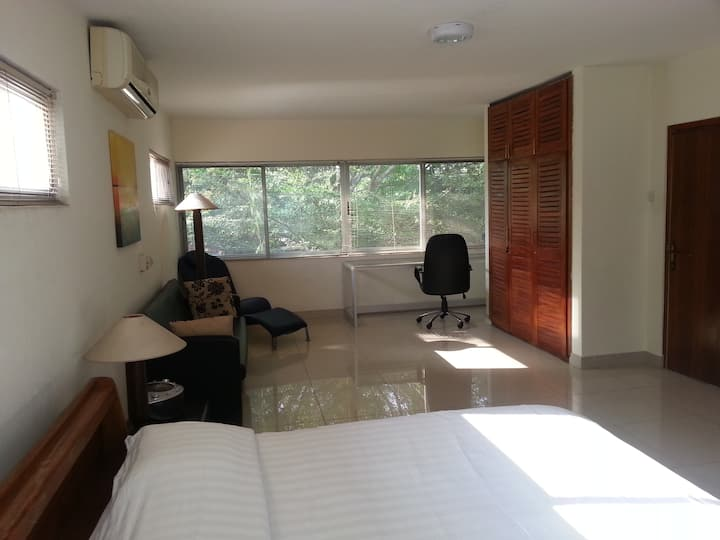Accra Serviced Apartments: 1 bed/ 1 bath