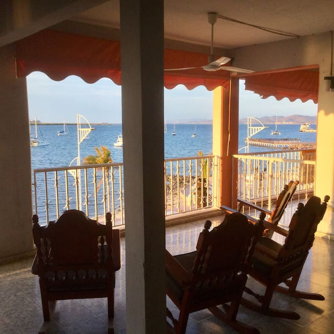Apartments For Rent In La: Ocean Front Malecon Apartment 3