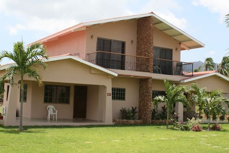 Gorgeous Two Bedroom House in Gated Community - Panamá Oeste - Ház