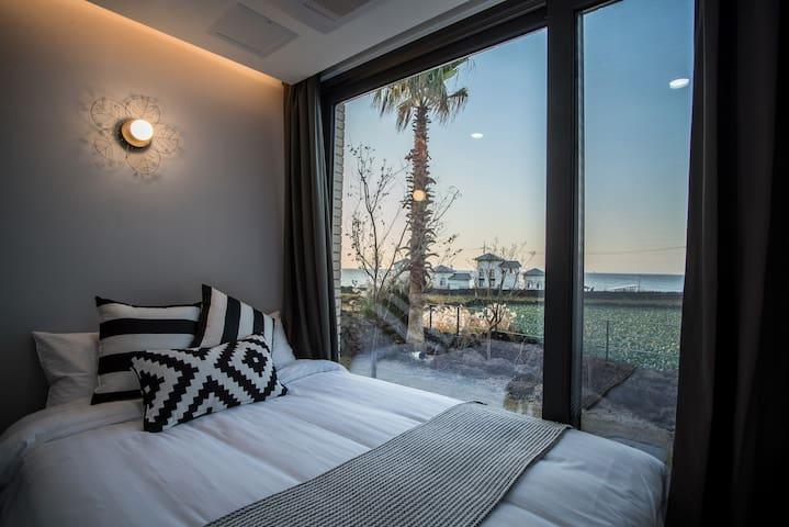 A Dream Place to Tourist for- Aewol bada