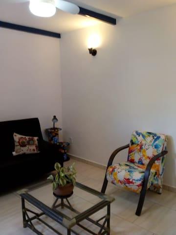 Casa Confortável/Confortable Home