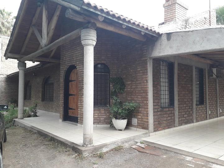 Casa de campo en Los Corralitos, Mendoza.