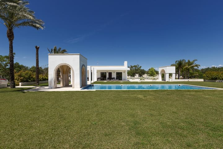 660 Villa with Pool and Garden in Trepuzzi Lecce - Trepuzzi - Villa