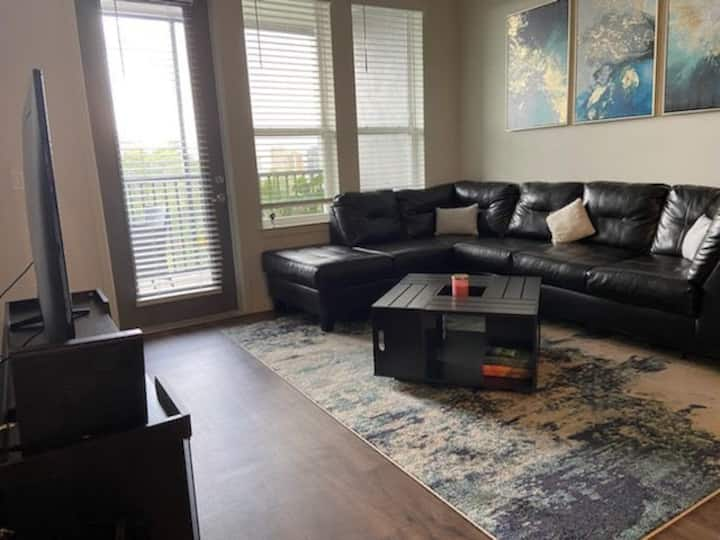 Modern Apartment very close to Disney!