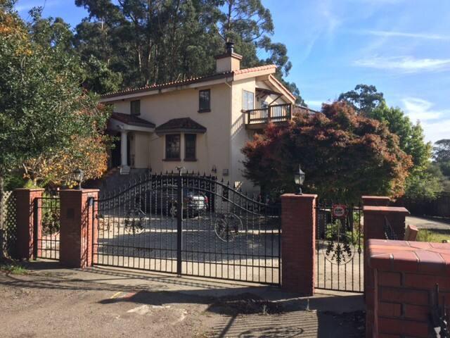 Stunning 3-story home in beautiful Berkeley Hills