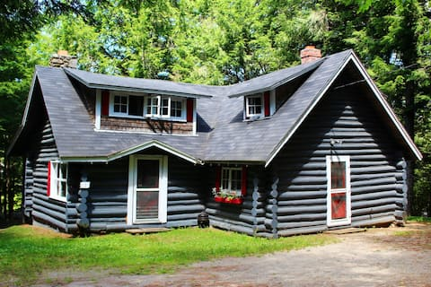 Cottage #1, Robinson's Cottages, Pet-friendly