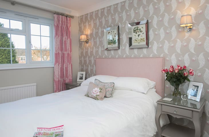Double Bedroom near the New Forest, East Dorset