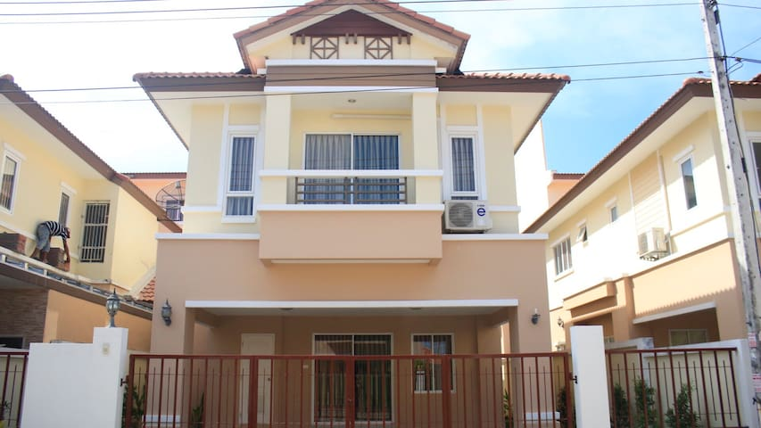 3 Bedrooms-PrivateHouse Near CentralFestivalPhuket