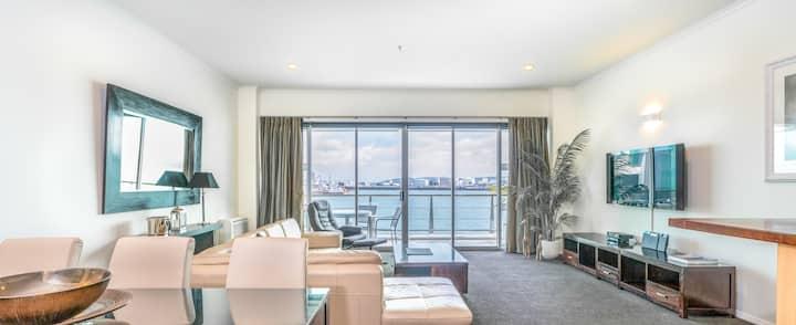 Spacious Executive Apartmt,great Views! Location
