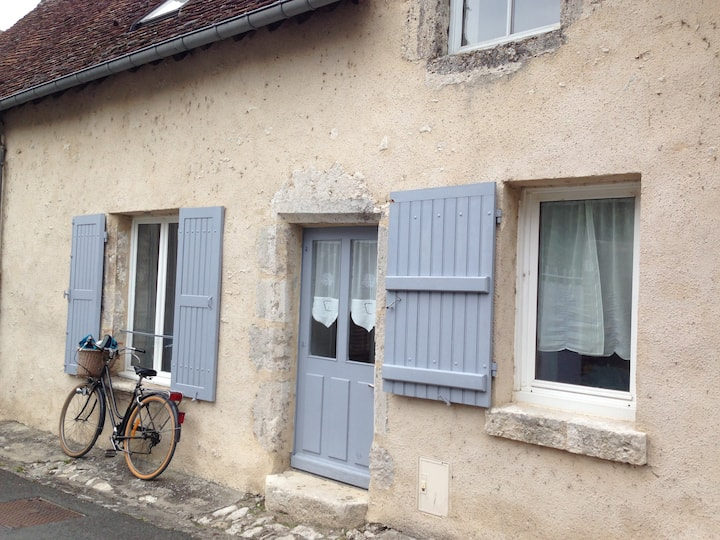 Charming old house at 1 minute of the Loire
