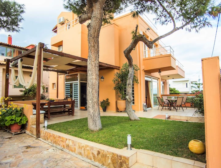 Villa SEA AND WAVES  just 80m. from the beach