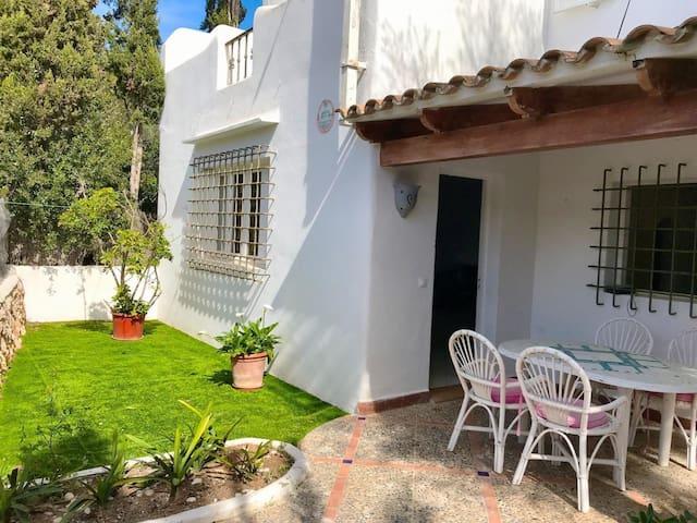 Ferienhaus für 4 Gäste mit 80m² in Santan (Phone number hidden by Airbnb)