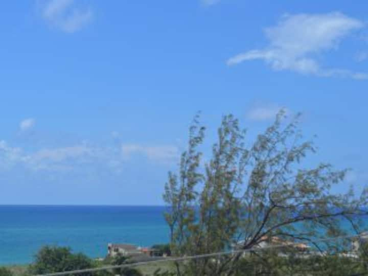 Beautiful 2 bed Apt close to 'hot' surf spots