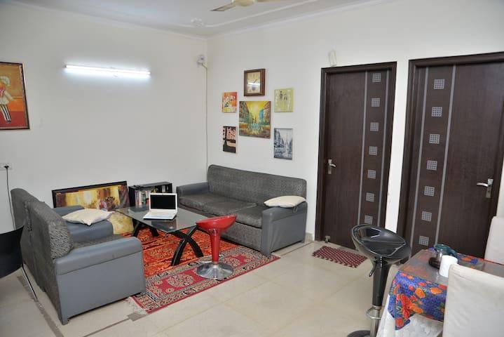 Private Room near Pancsheel park Metro
