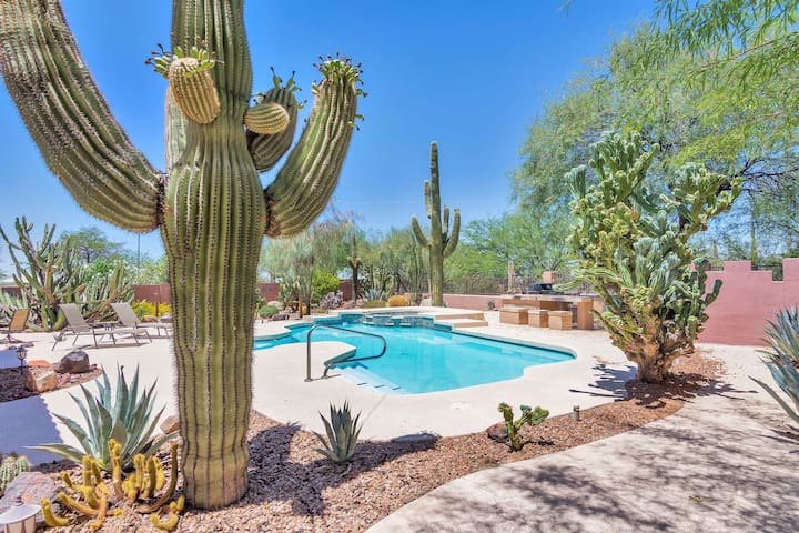 3 bdrm desert oasis with pool & outdoor kitchen