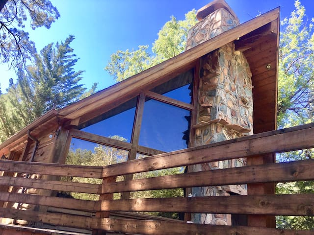 Cozy Getaway in Whispering Pines AZ