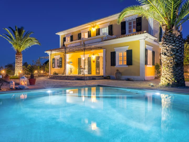 Luxury Villa Almeira with private swimming pool