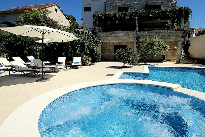 Villa Renipol - One Bedroom Apartment with Terrace (Apt 4)
