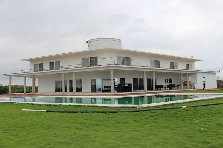 Mágnifica residencia en la mejor playa del Golfo