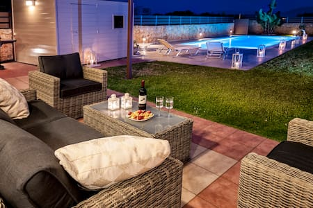Marilena's place - Private Pool & Relax