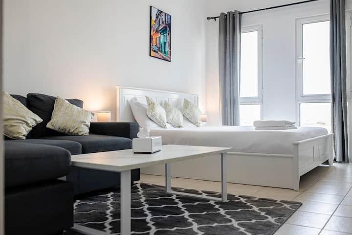 Luxury Furnished Studio Apartment @ IC D4