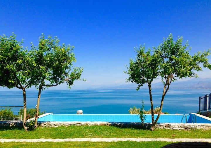 Fairytale villa on the Shkodra lake