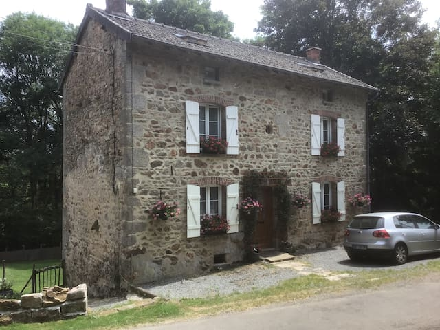 French rural retreat in peaceful/tranquil setting.