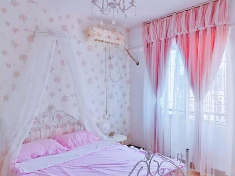 沃尔玛边小区电梯 清新粉嫩公主风吊椅阳光明媚 一室一厅 免费停车位