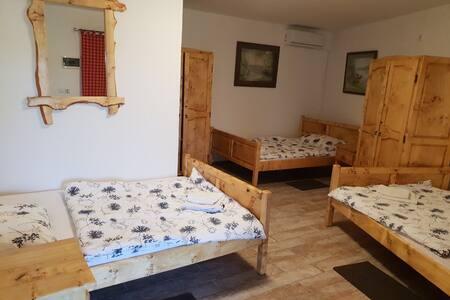 Slavonski dvori 3