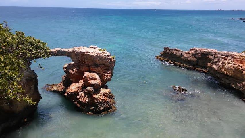 El puente de pidras in La Playuela (Playa Sucia) beach.