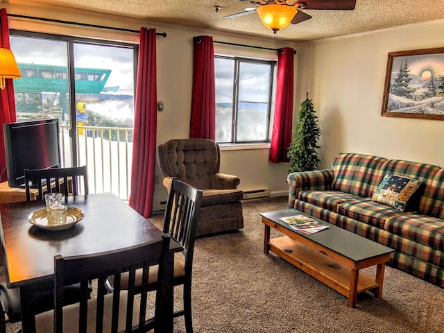 ML230 Wi-Fi Parking Great View. Great Location. Great Rates.