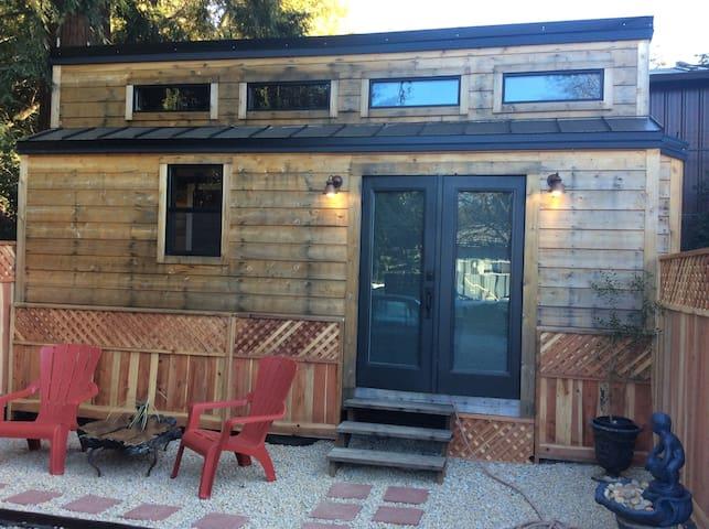 Boulder Creeks Newest Tiny Home (Brockridge Manor)