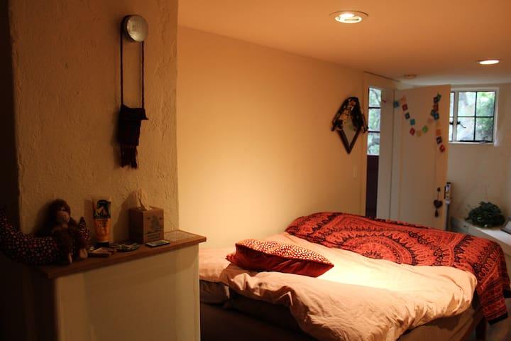 Claremont Castle- Princess Pinecone room