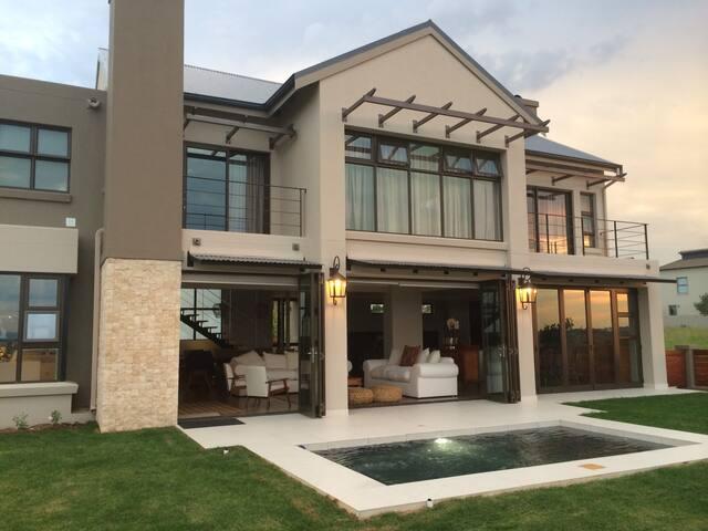Luxury House Copperleaf Golf Estate - Centurion - House