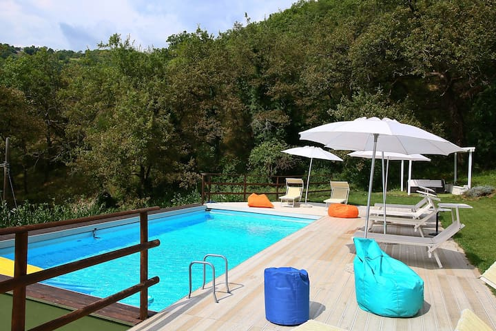 Cozy Villa in Fabriano Italy with Swimming Pool