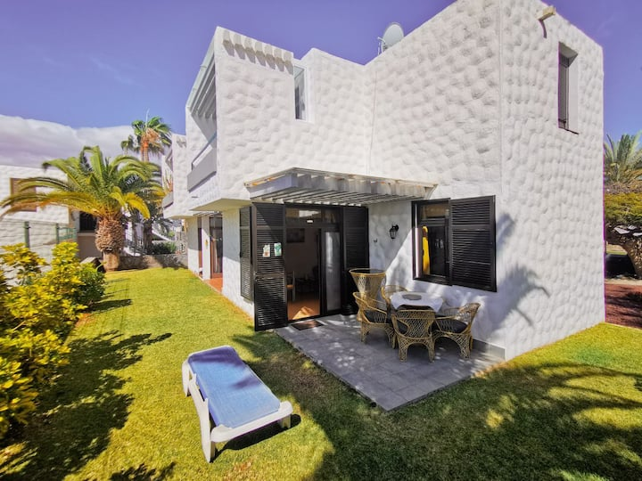 Beach and Garden Apartment Las Americas
