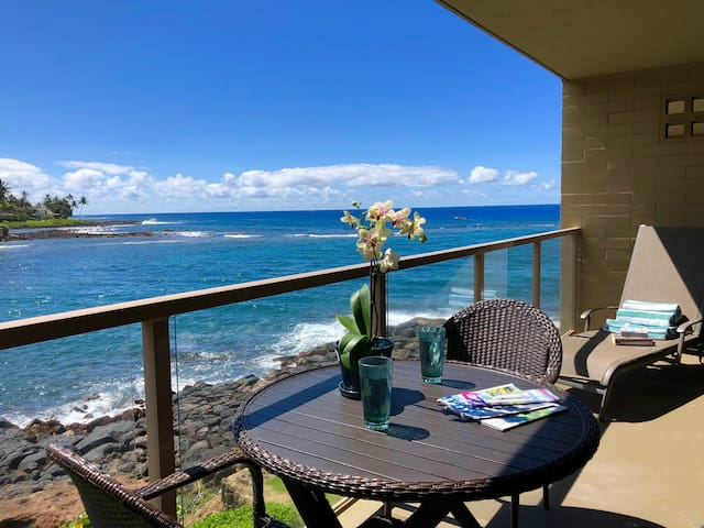 Kuhio Shores 207: Oceanfront AC Condo Near Baby Beach Walk To The Nearby Kukuiula Shopping Village Or Drive In Your Free Midsize Rental Car