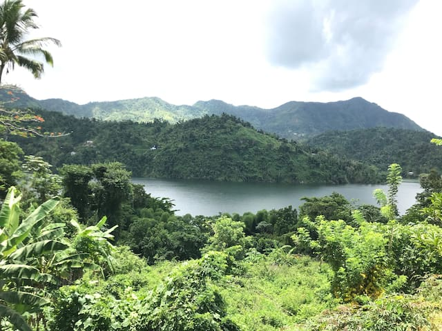 ☼Caonillas LakeView, Secluded Apt 2BR-1 bath; WiFi
