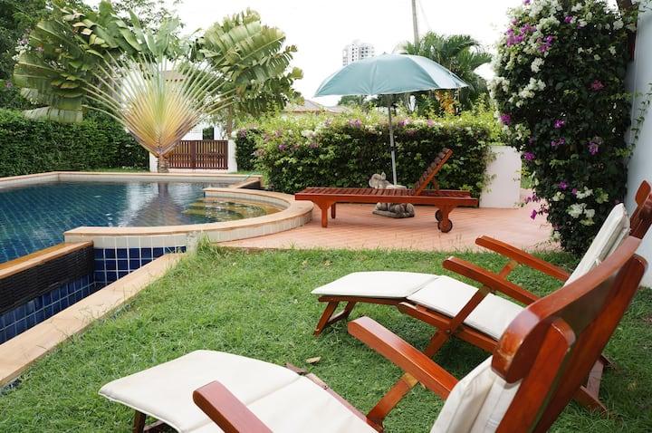 Tropicana Villa 2 Br big pool