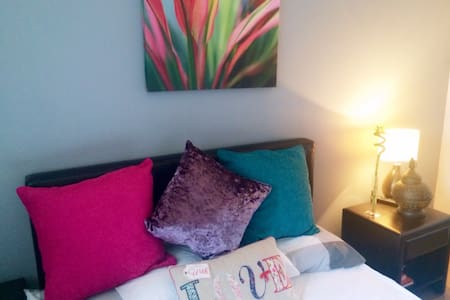 Comfortable Private Room Close to the Airport - Randalstown - Rumah