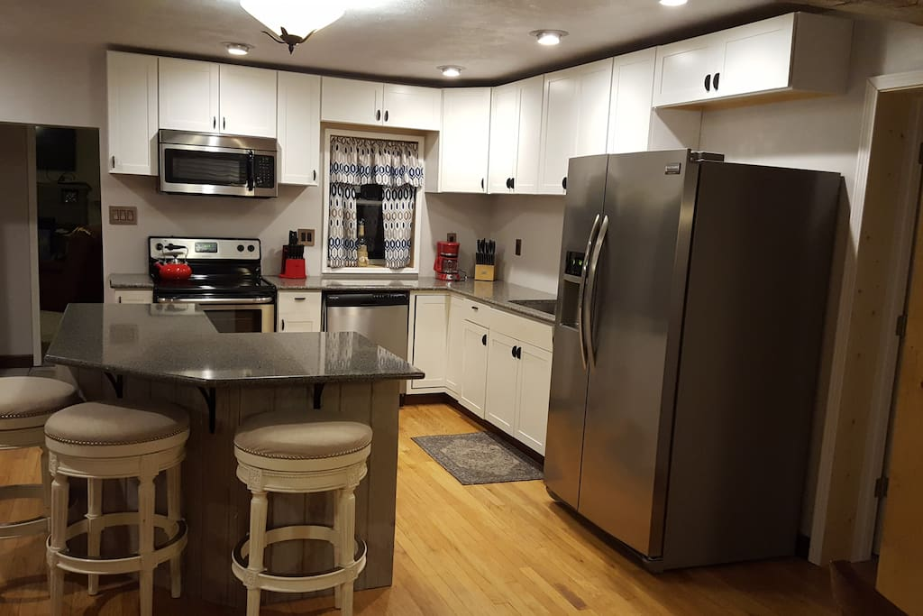 Brand new kitchen with brand new appliances.  You will find everything you need right here in this fully stocked kitchen.