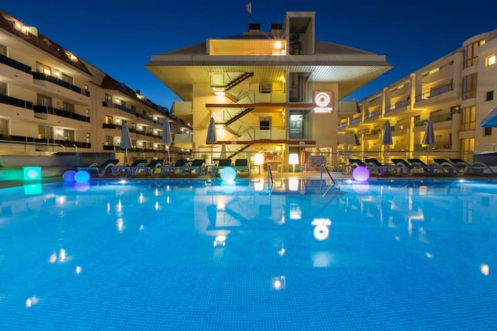 Hotel apartment for 2 persons with pool R6865