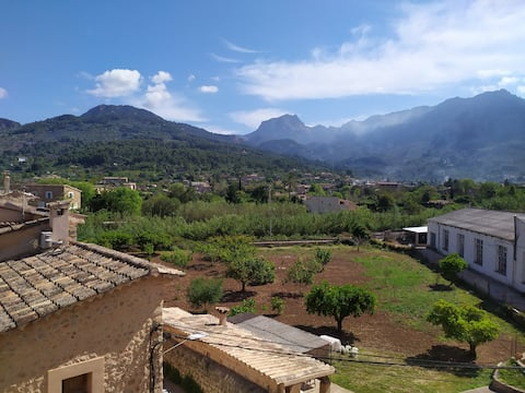 Newly Reformed Top Floor Flat,Soller, mountainview