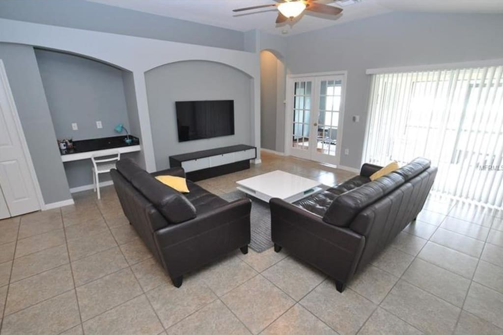 Family Room w/TV, Cable and Blu Ray Player