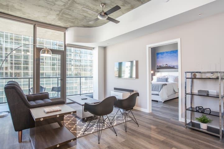 Luxury Urban Flat 2BR in High-Rise  by LA-Live!