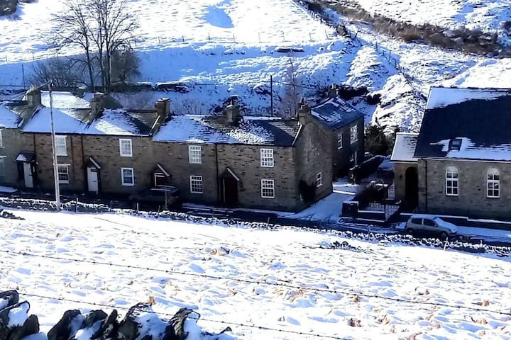 Cosy Woodman's Cottage Allenheads, North Pennines