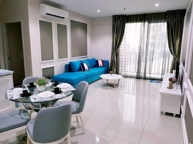 I-CITY@2BEDROOM SUPER HOT!!@FREE WIFI & PARKING