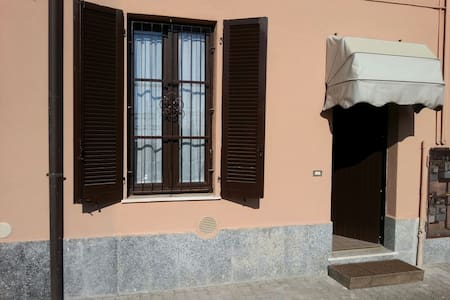 two-room apartment near Milan exhib - Vanzago