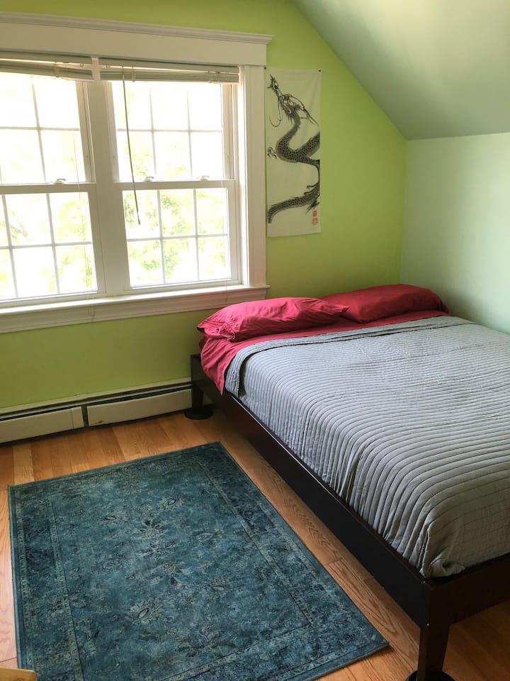 Cozy Comportable Room Close to Alewife